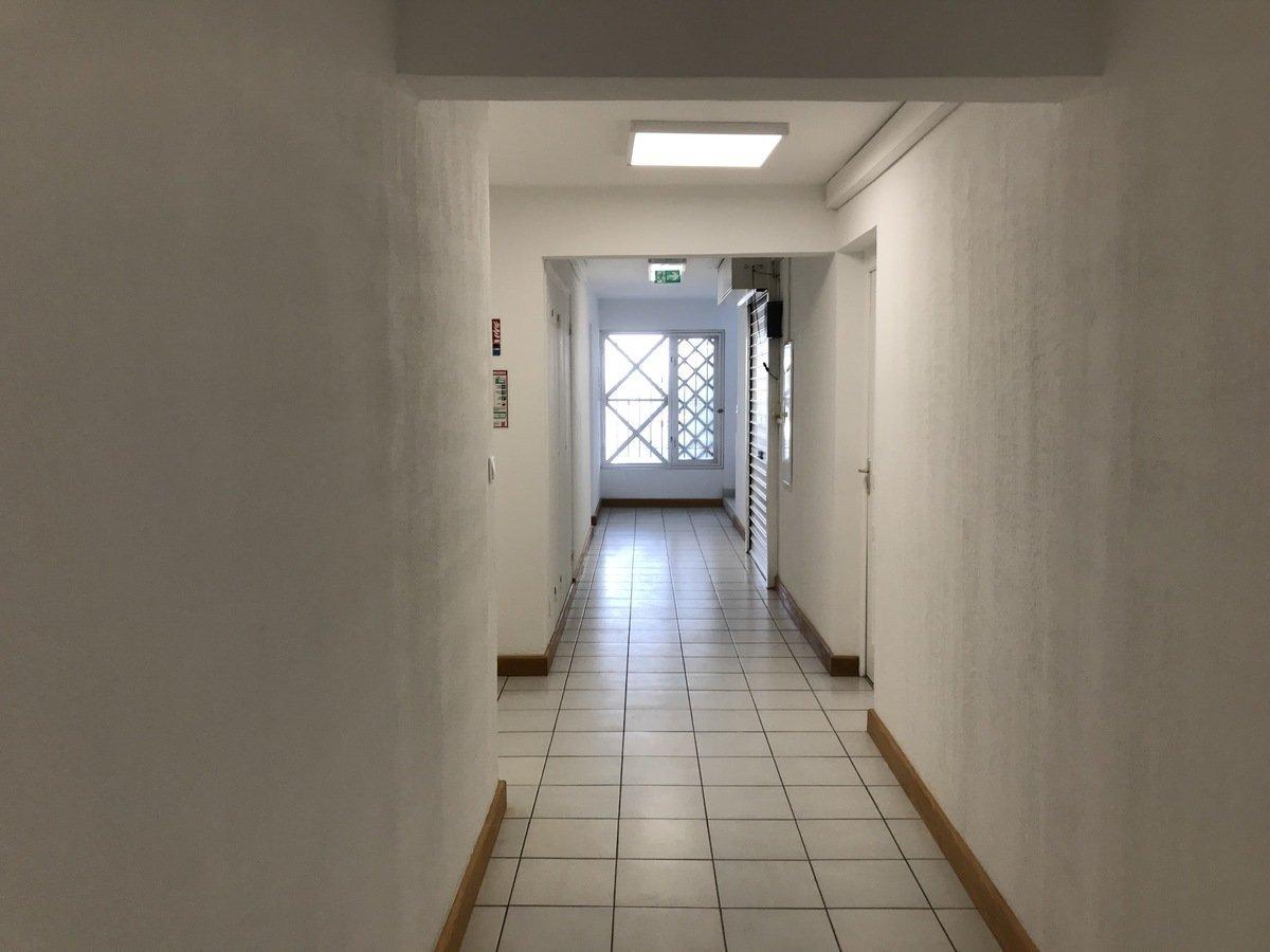 Bureau - Saint-Pierre